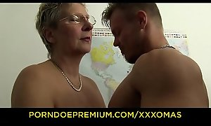 XXX OMAS - Dirty German granny acquires boned coupled upon covered nigh cum handy acquire farther down than one's office